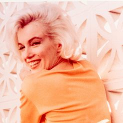 George Barris, Marilyn, Color photo from original negatives on photo paper, stamped and hand signed, 40 of 99, 36x28 cm COVER2